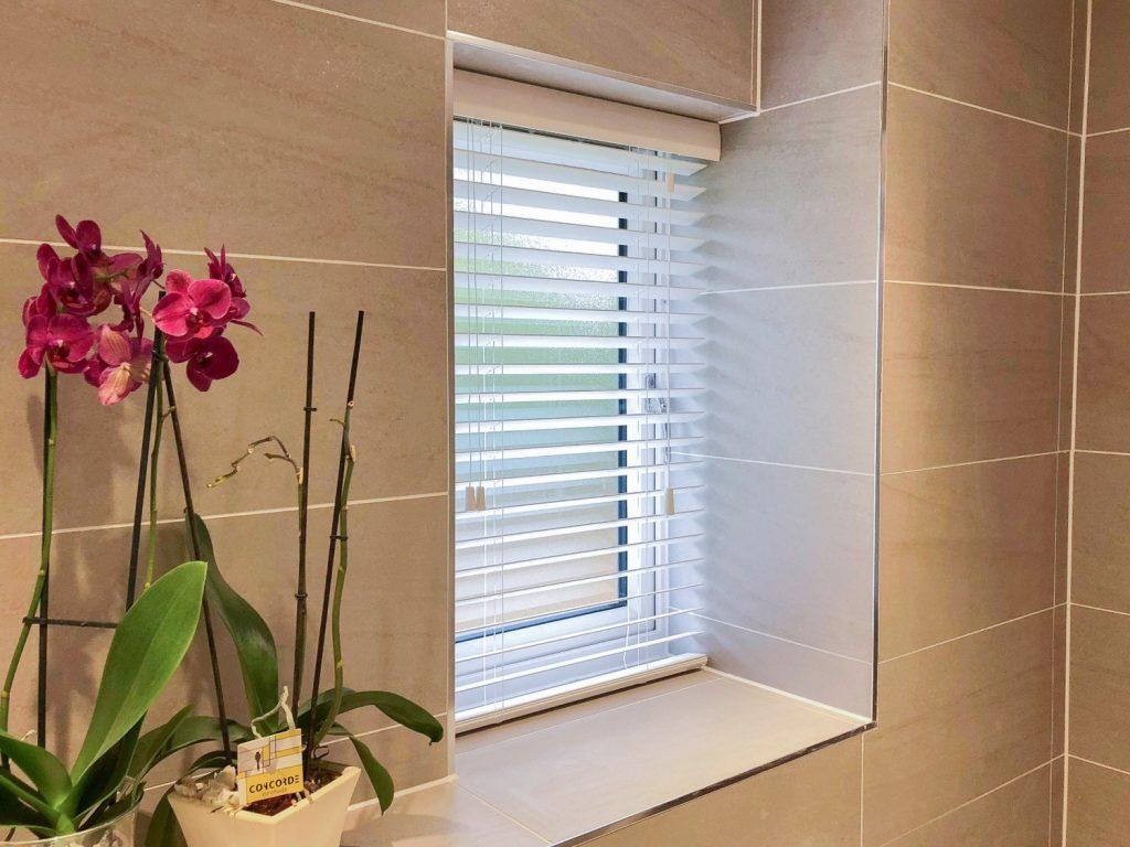 bathroom faux wood venetian blind