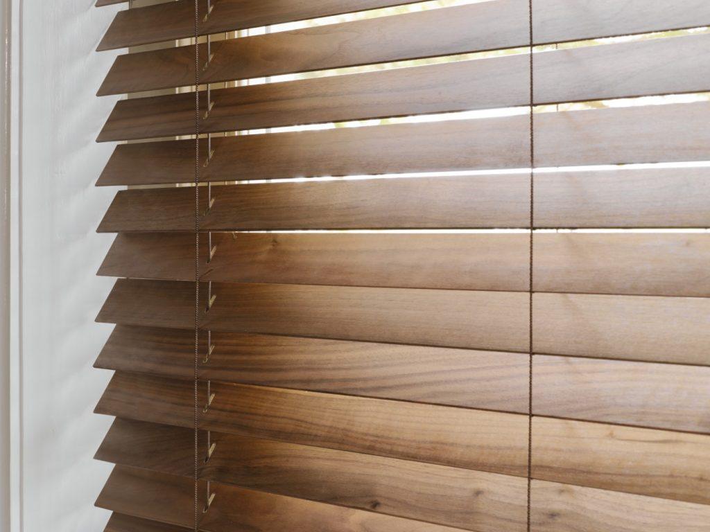 wood venetian close up